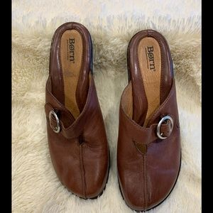 Born leather Clogs new without box